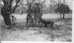 Bill Pearson and mate, after duck hunting, probably Lock 7 c 1931